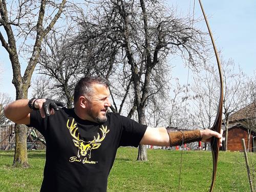 Bow-Hunter am Bogenparcours Schneeberger